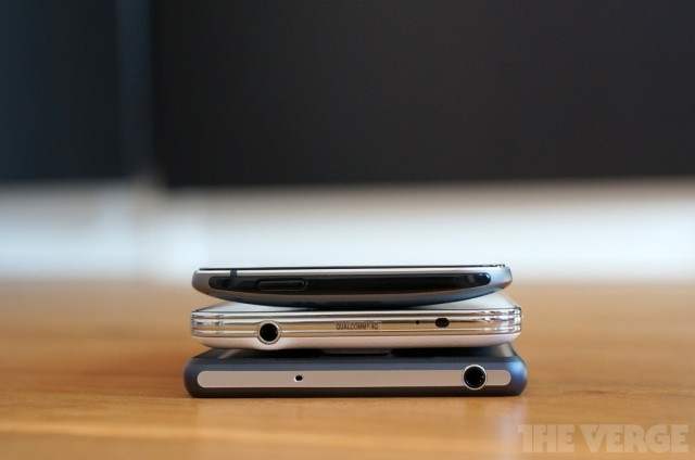 Xperia-Z2-vs-GS5-and-HTC-One-M8_10-640x424